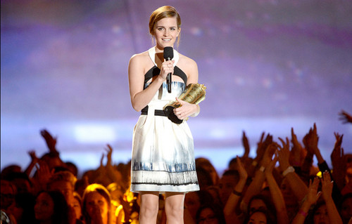 Emma Watson mtv movie awards 2013
