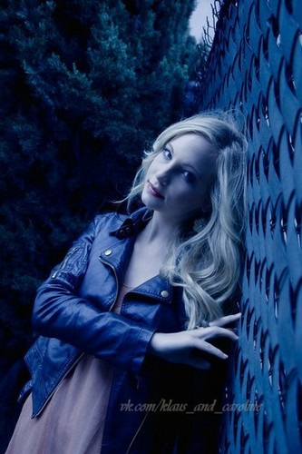 Full outtake from Candice's 2011 photoshoot sejak Jeff Carrillo.