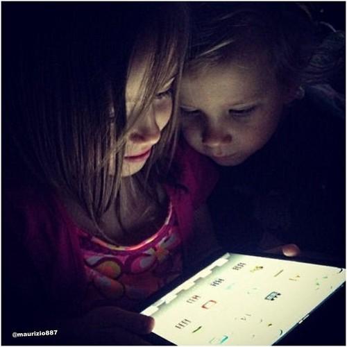 Jaxon & Jazmyn Bieber iPad 2013
