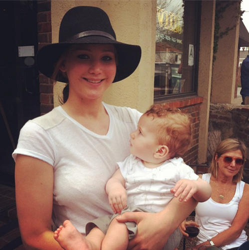 Jennifer was at Vint's Coffe دکان in Louisville, Kentucky yesterday