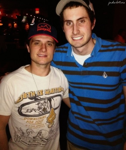 Josh with a 粉丝 (4/14/2013)