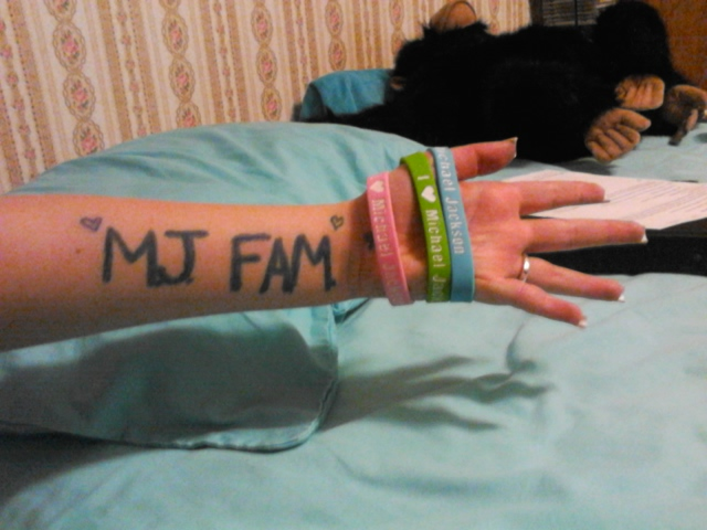 M.J. FAM.
