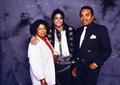 Michael Backstage With Parents, Jospeh And Katherine - michael-jackson photo