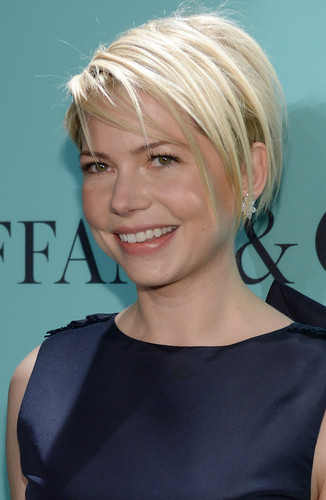 "Michelle Williams wallpaper possibly containing a portrait called Michelle Williams at Blue Book Ball at ""Rockefeller Center"" In New York City - (April 17, 2013)"