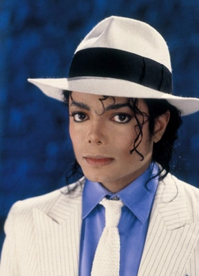Michael Jackson karatasi la kupamba ukuta containing a fedora, a snap brim hat, and a campaign hat entitled My Smooth Criminal