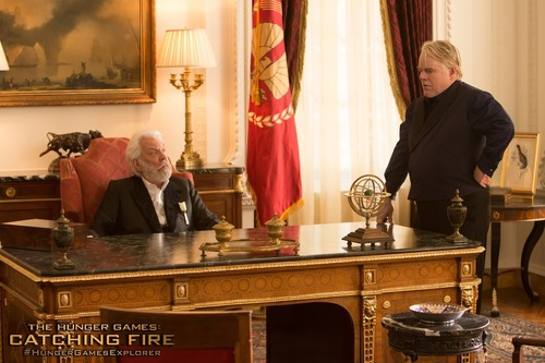 New official 'Catching Fire' still of President Snow & Plutarch