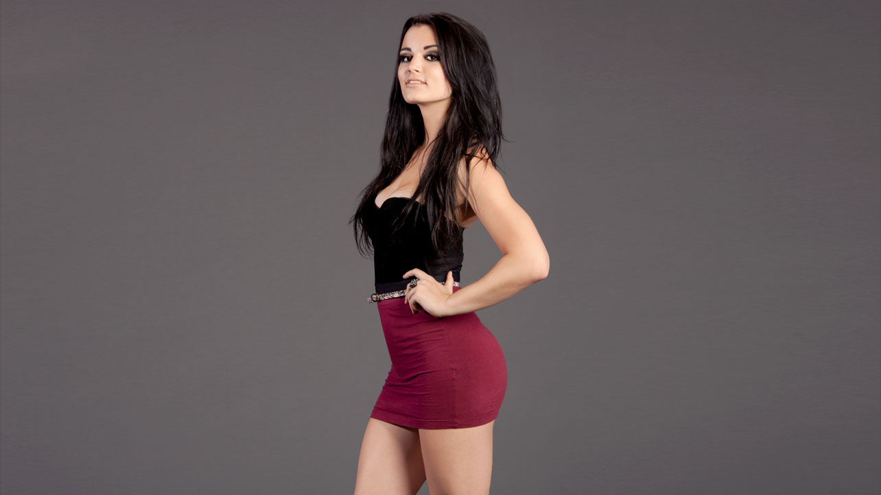 how tall is paige wwe