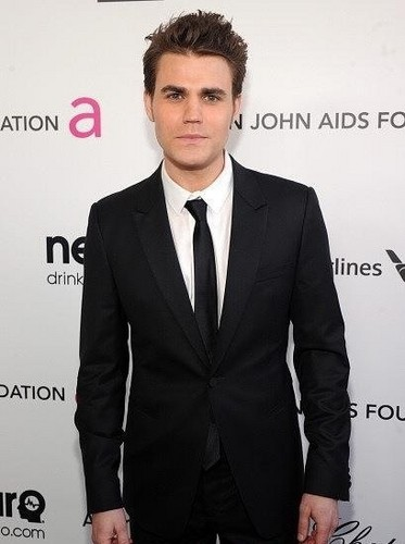 Paul Wesley wallpaper containing a business suit, a suit, and a single breasted suit called Paul