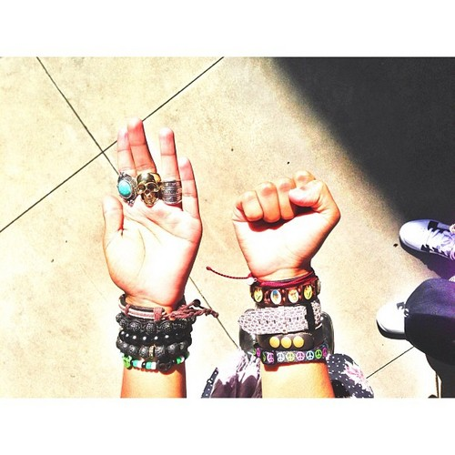 OMFG, I Liebe your rings, Princetyboo!!!! :D XO ;D :) : { ) <3 ;*