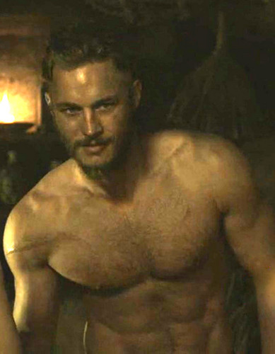 Vikings (Siri TV) kertas dinding probably with a hunk and a six pack called Ragnar Lothbrok