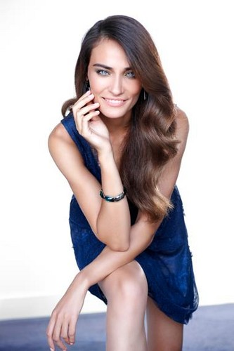Saadet Aksoy All Magazine Photos