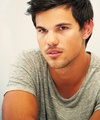 Taylor promoting Grown ups 2 - taylor-lautner photo