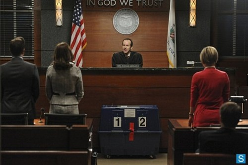 The Good Wife - Episode 4.22 - What's in the Box? - Promotional foto