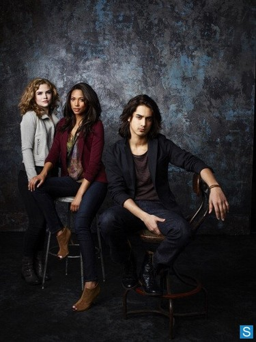 Twisted - Season 1 - Cast Promotional تصاویر