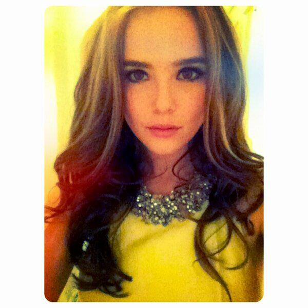 Zoey Deutch Twitter