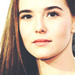 Zoey Deutch প্রতীকী