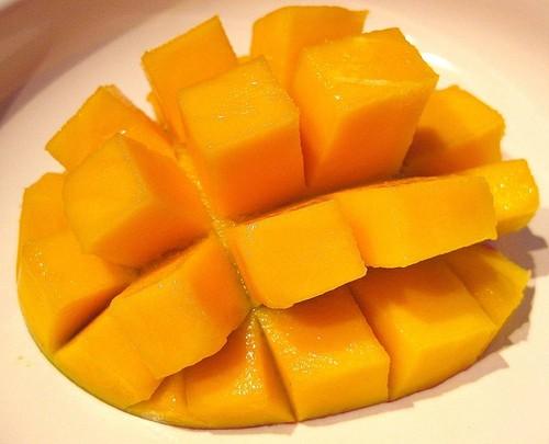 it's a манго yay