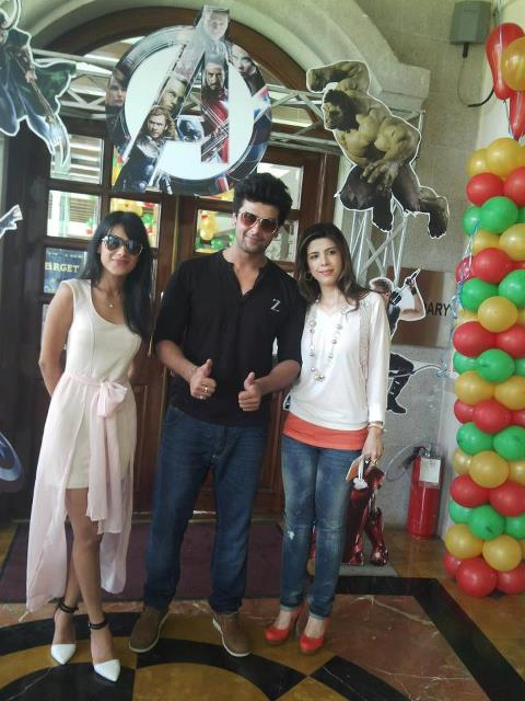 kushal with nia and his real life girlfriend