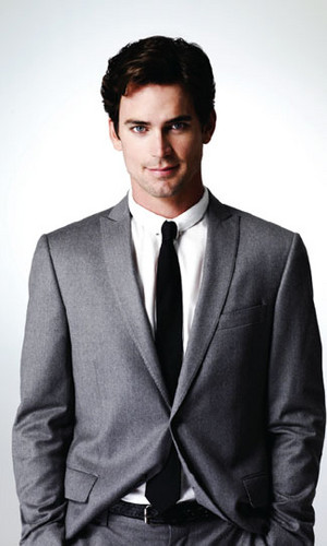 Matt Bomer wallpaper containing a business suit, a suit, and a double breasted suit entitled matt bomer