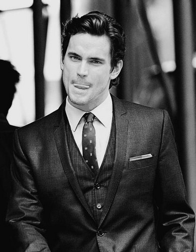 Matt Bomer wallpaper containing a business suit, a suit, and a three piece suit entitled matt bomer