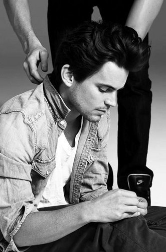 Matt Bomer Hintergrund probably with a sign entitled matt bomer