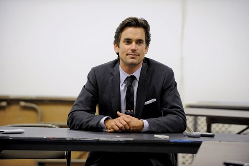 Matt Bomer wallpaper containing a business suit, a suit, and a laptop entitled matt bomer