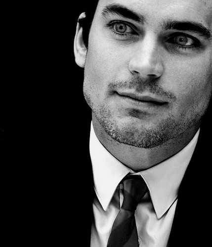 Matt Bomer Hintergrund with a business suit titled matt bomer
