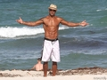 shemar moore enjoying miami ساحل سمندر, بیچ