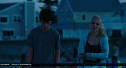 www.annasophia-robb.us - AnnaSophia Robb for The Way, Way back Trailer