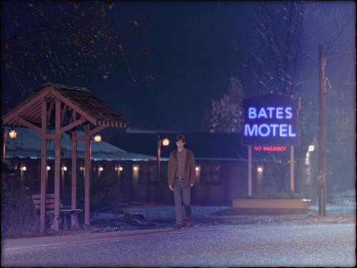 Bates Motel wallpaper with a street called ★ Bates Motel ☆