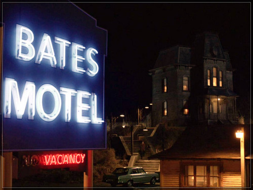 Bates Motel karatasi la kupamba ukuta probably with a diner called ★ Bates Motel ☆