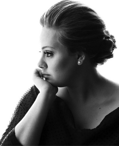 Adele Hintergrund probably with a portrait titled Adele