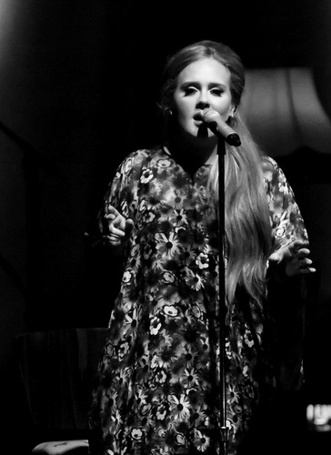 Adele Hintergrund with a konzert entitled Adele