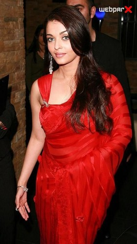 Aishwarya Rai Red Saree - aishwarya-rai Photo