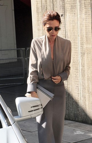 April 28th - Londra - Victoria arriving at the Vogue Festival