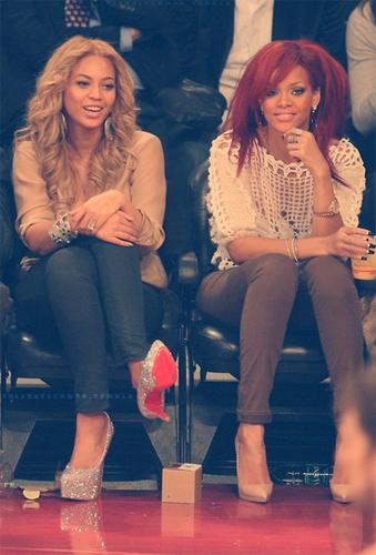 Beyoncé ~~ Rihanna~~