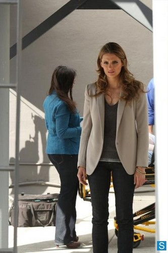 istana, castle - Episode 5.24 - Watershed - Promotional foto-foto