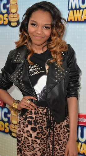 China Anne Mcclain-Radio Disney âm nhạc Awards 2013