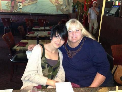 Debbie Rowe With Paris Jackson NEW pic! (2013)