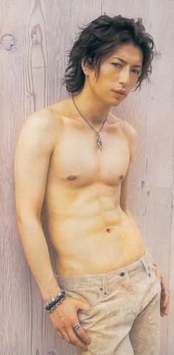 Gackt shirtless~