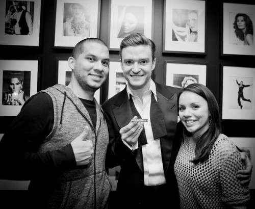 JT with fans