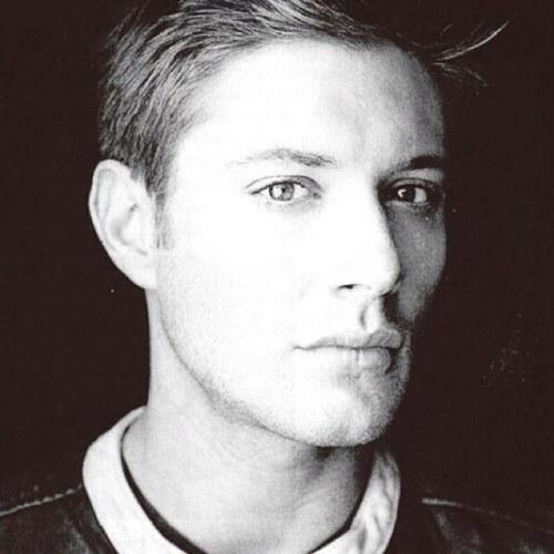 Jensen Ackles ಇ