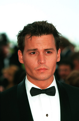 Johnny Depp wallpaper probably containing a business suit called Johnny Depp