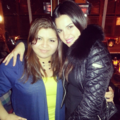 MAITE PERRONI WITH FANS IN NEW YORK (APRIL 04)