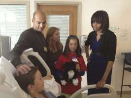 Michelle Visiting The Patients Injured In Bombing In Boston