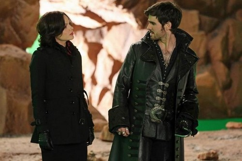OUAT 2x20-'The Evil Queen' BTS & Promo Photos!