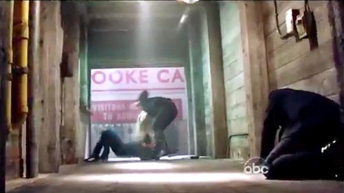 OUAT 2x21-'Second звезда To The Right' (Emma Attacks Tamara & Saves Regina!)