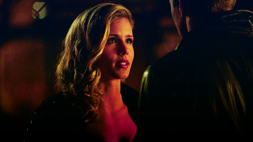 Oliver and Felicity in 1x21