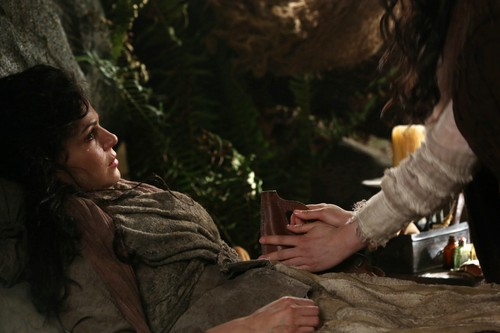 Once Upon a Time - Episode 2.20 - The Evil reyna
