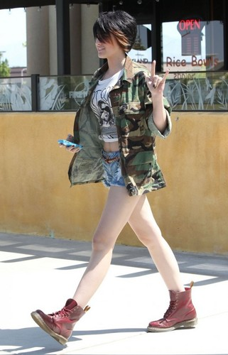 Paris Jackson in Palmdale, Los Angeles 2013 ♥♥